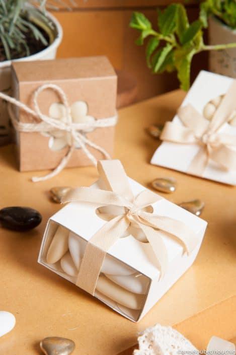 Boîte carrée translucide pour dragees