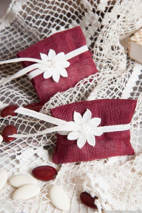 Pochette a dragees en lin de soie