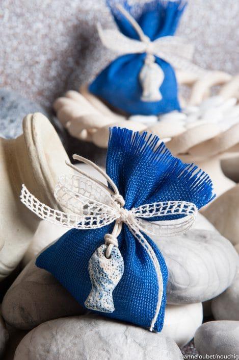Bourse en lin de soie bleue pour dragees